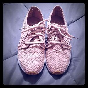 Cute little mesh sneaker